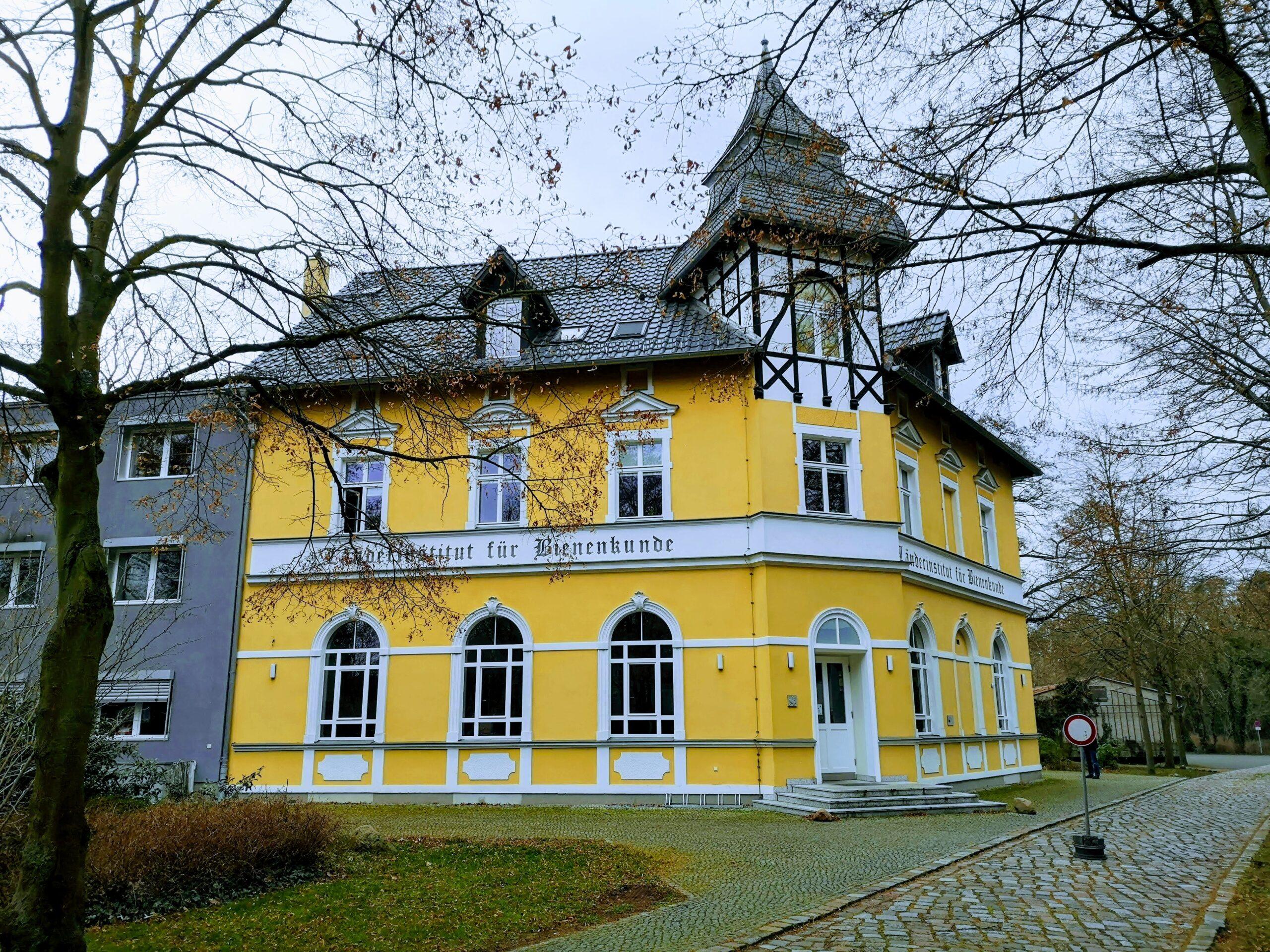 Das LIB Länder Institut für Bienenkunde in Hohen Neuendorf nördlich von Berlin