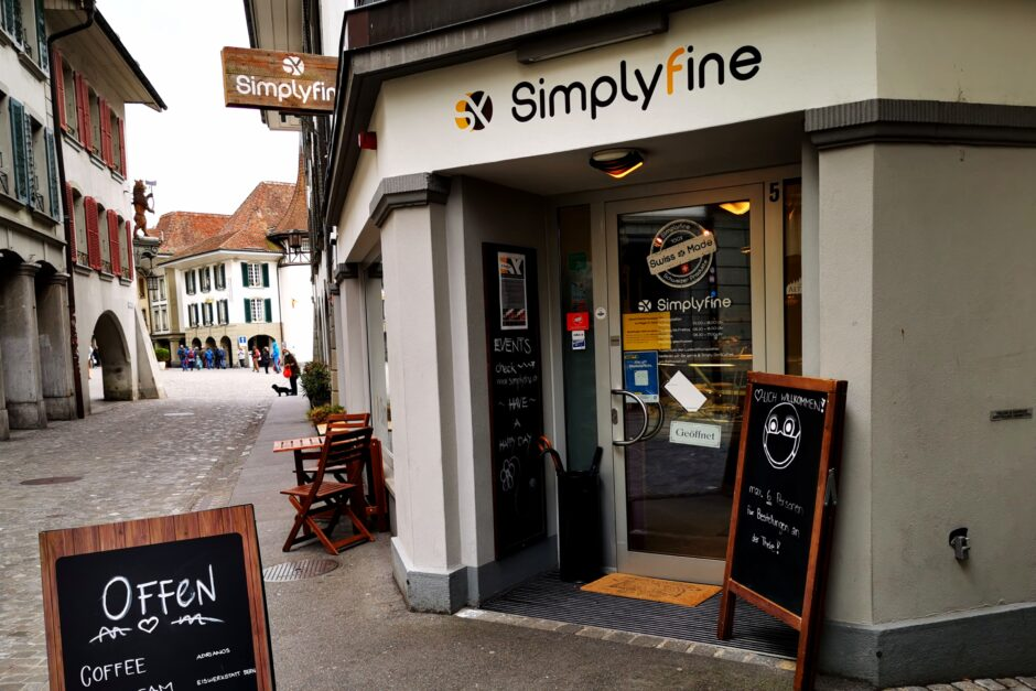 Eingang zum simplifine-Shop in Thun