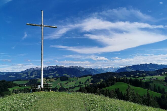 Blick von der Schwesteregg in Richtung Berner Alpen